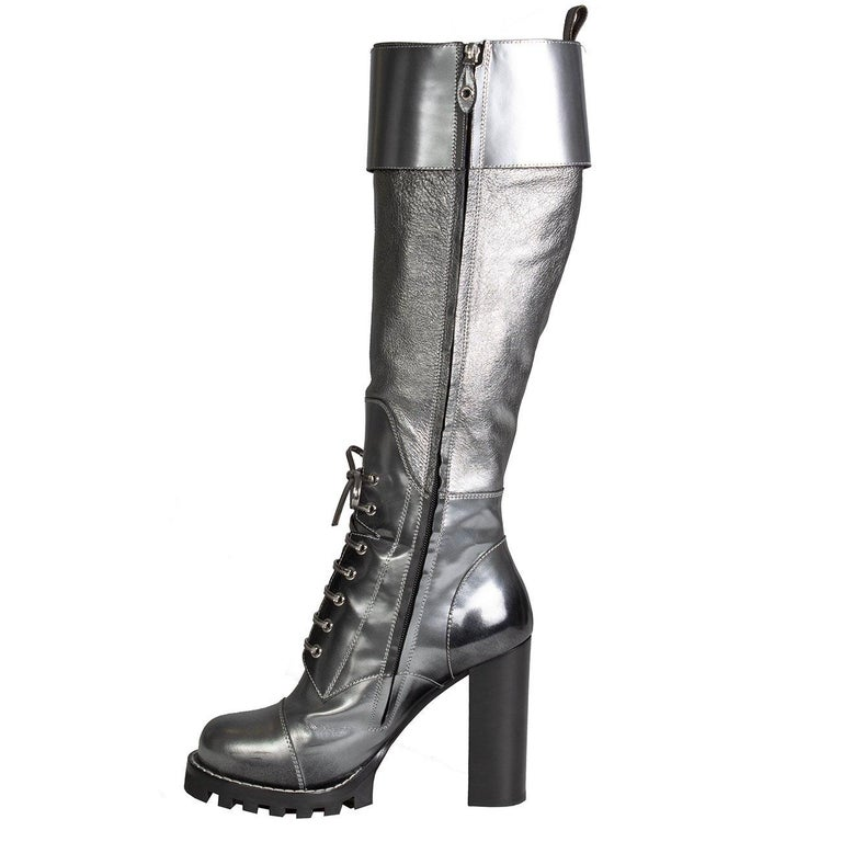Louis Vuitton Metallic Silver Leather Combat Boots In New Condition For Sale In Los Angeles, CA