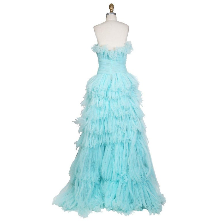 Oscar de La Renta Strapless Gown of Tiered Aqua Blue Tulle In Excellent Condition For Sale In Los Angeles, CA