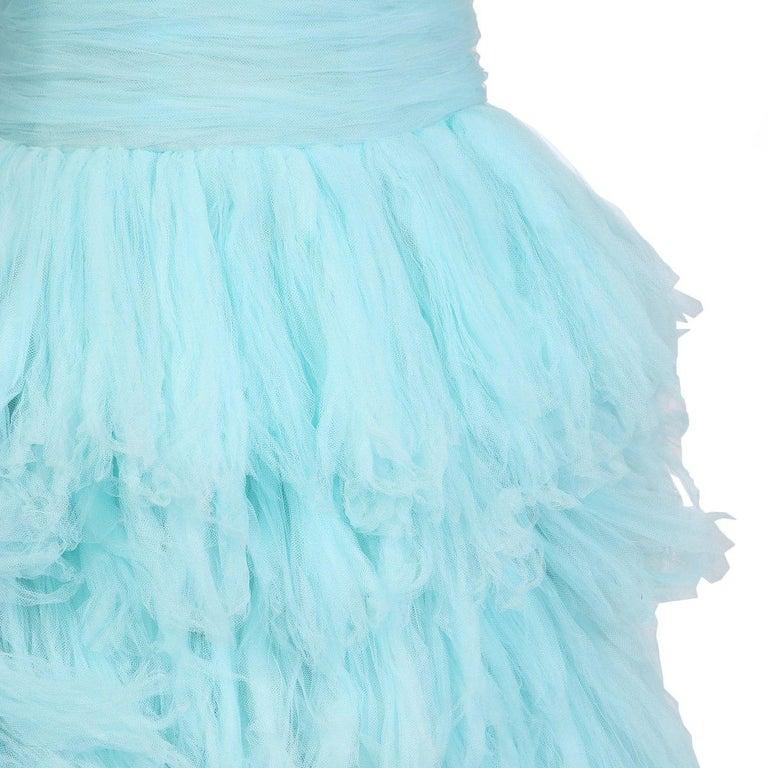 Women's Oscar de La Renta Strapless Gown of Tiered Aqua Blue Tulle For Sale