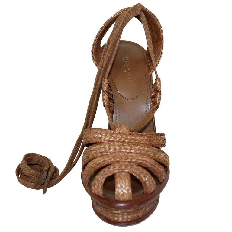 Bottega Veneta Straw Wedge Sandal 38,5 3