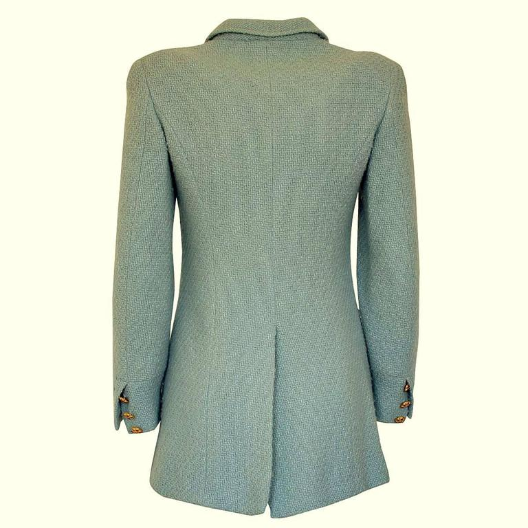 Super classy and beautiful Chanel jacket Vintage from 1996 Wool (90%) and alpaca (10%) Azure color Silk lining Golden jewel buttons Four pockets Total length from shoulder cm 69 (27.1 inches) French size 36, italian 40 Made in