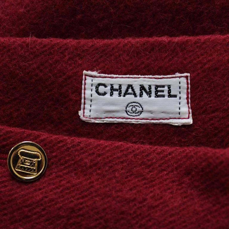 Chanel Cherry Wool Skirt  In Excellent Condition For Sale In Gazzaniga (BG), IT