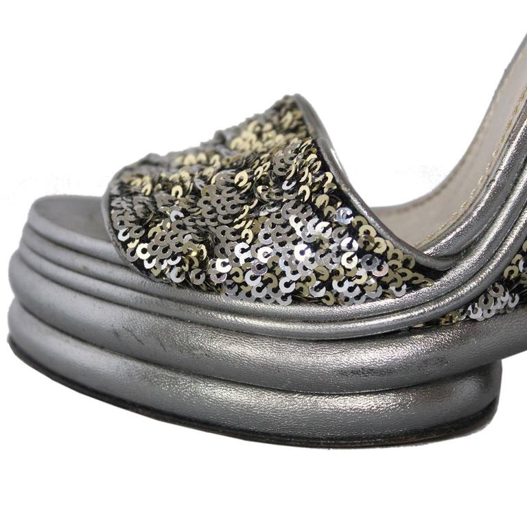 Women's Dolce & Gabbana  Silver Sequins Sandal 39 For Sale
