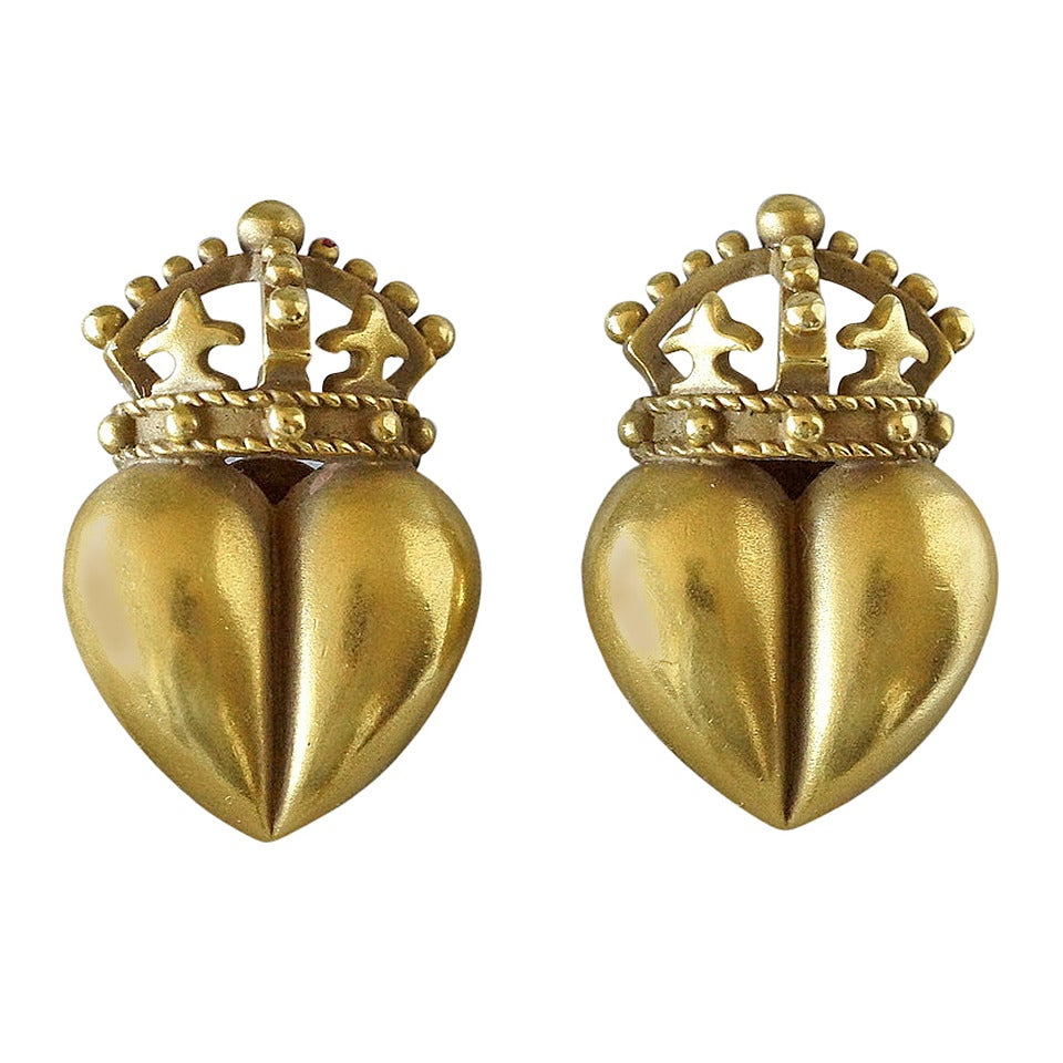 Kieselstein-Cord Iconic Gold Heart Crown Earrings 1