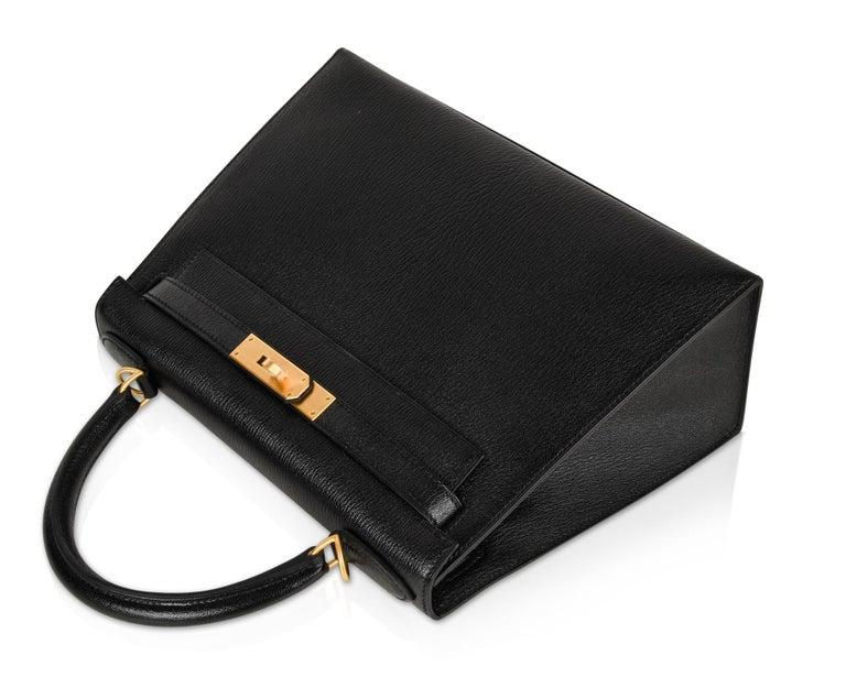 Hermes Kelly 28 Bag HSS Sellier Black Chevre Vermillion Interior Brushed Gold  For Sale 3