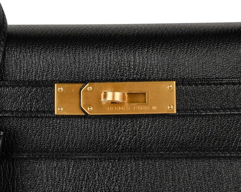 Women's Hermes Kelly 28 Bag HSS Sellier Black Chevre Vermillion Interior Brushed Gold  For Sale