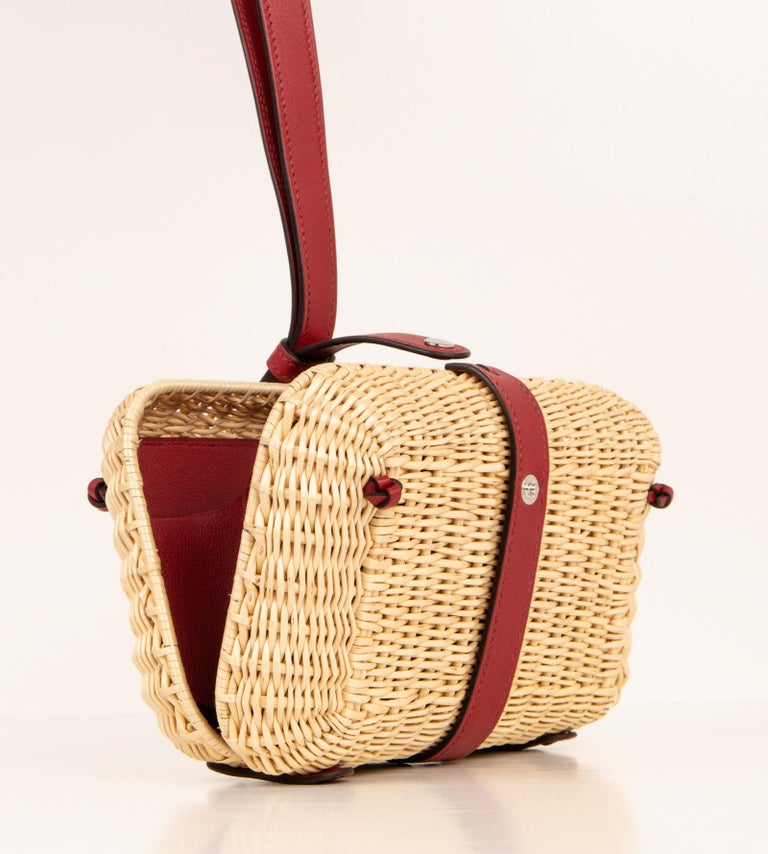 Hermes Picnic Clutch Bag Osier (Wicker) rare Limited Edition created in very limited quantities. Chic bag for any summer day. Beautifully accented with coveted Rouge H leather and custom leather interior. Comes with sleeper. NEW or NEVER WORN final