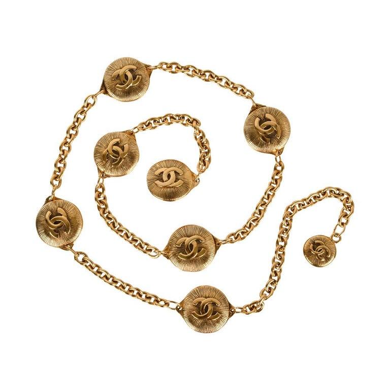 c323a1b685172 Chanel Belt Vintage Chain Link Gold Sunburst with CC Spacers For Sale