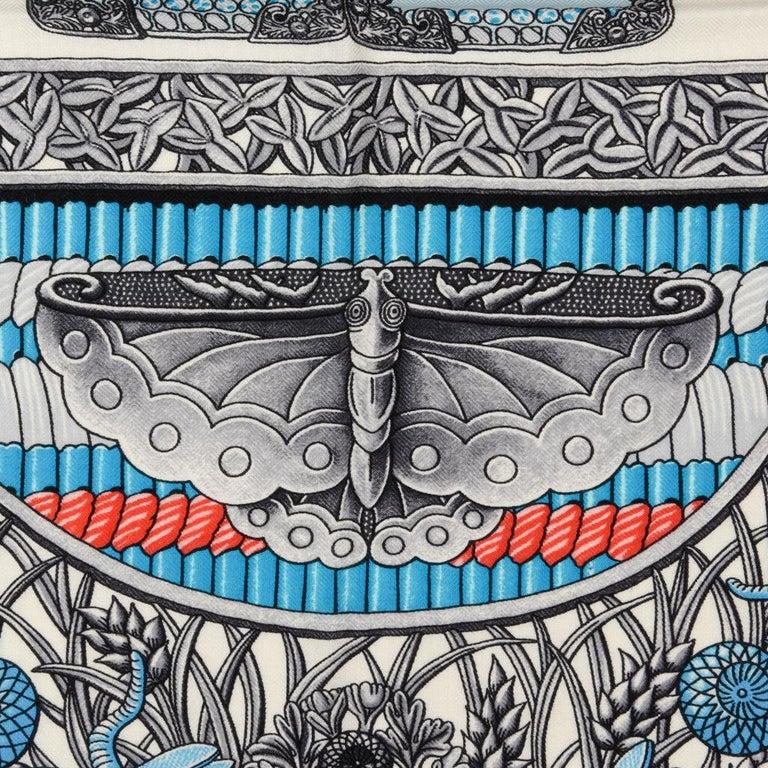 Hermes Shawl Parures de Samouraïs GM Cashmere Silk Blanc Turqouise Vert For Sale 3