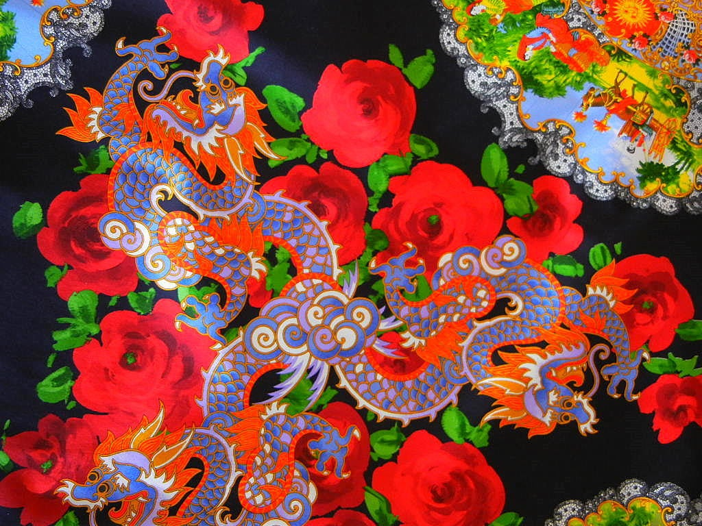 DOLCE&GABBANA skirt exotic asian print divine colours superb rear detail 40 6 In Excellent Condition For Sale In Miami, FL