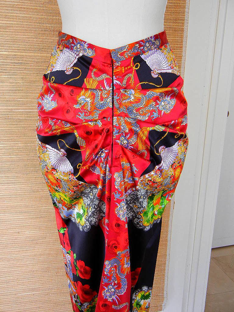 Pink DOLCE&GABBANA skirt exotic asian print divine colours superb rear detail 40 6 For Sale