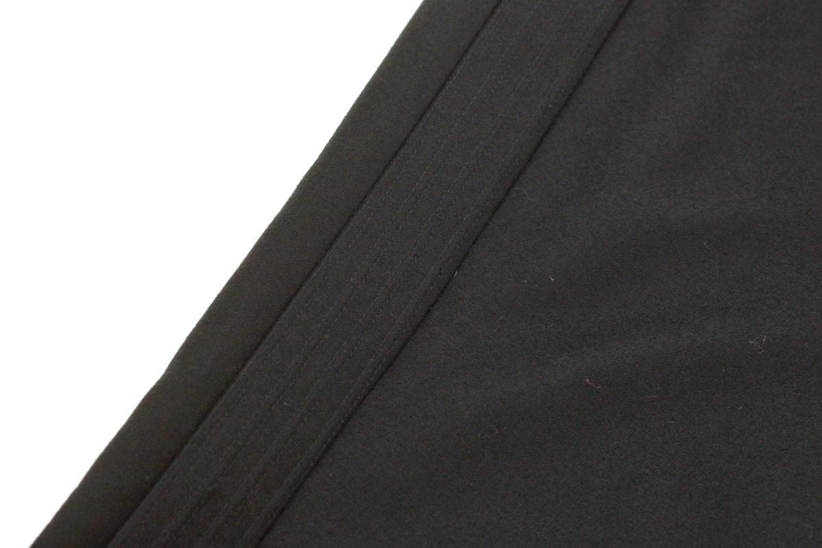 Chanel 04A Pant Black Wool / Cashmere Tuxedo Detail Subtle 36 / 4 In Excellent Condition For Sale In Miami, FL