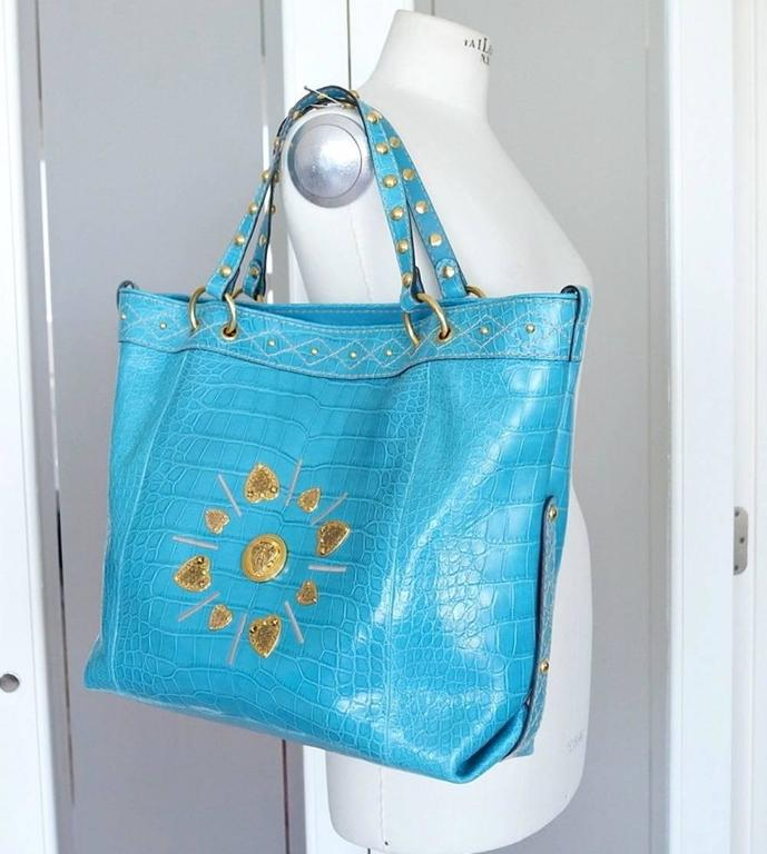 Gucci Exclusive Limited Edition Turquoise Crocodile Irina Tote Bag new In New never worn Condition For Sale In Miami, FL