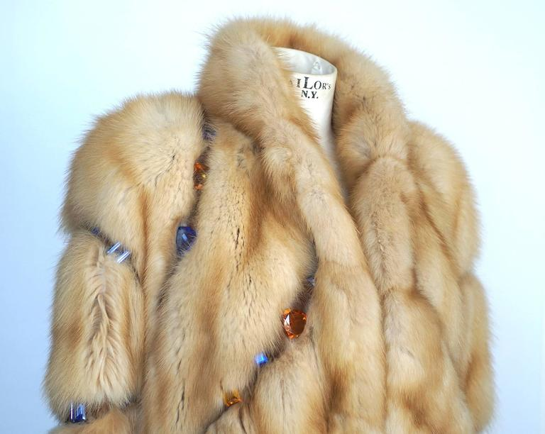 Russian Sable Fur Coat Jeweled Unique Striking 6 / 8 In Excellent Condition For Sale In Miami, FL