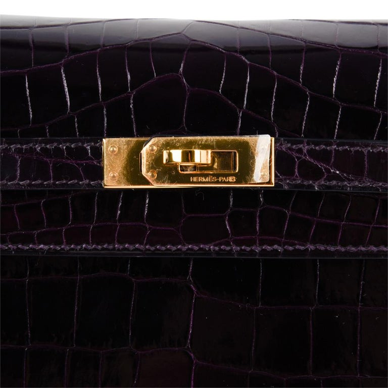 Hermes Kelly 25 Sellier Bag Crocodile Prunoir Gold Hardware Deep Plum Purple In New Condition For Sale In Miami, FL