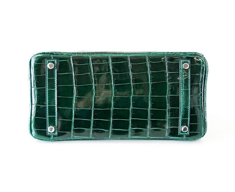Hermes Birkin 30 Bag Emerald Emeraude Green Crocodile Palladium In Excellent Condition In Miami, FL