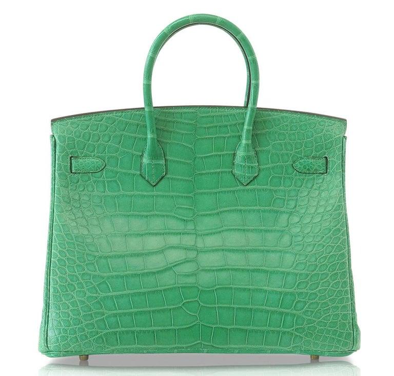 Hermes Birkin 35 Matte Alligator Cactus Gold Hardware Bag  In New Condition For Sale In Miami, FL