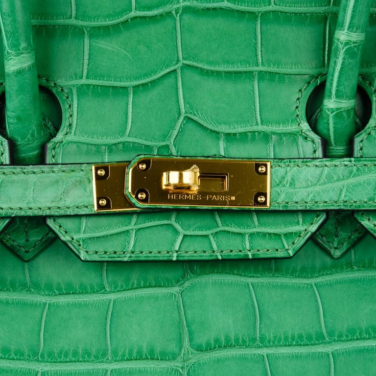 Hermes Birkin 35 Matte Alligator Cactus Gold Hardware Bag  In New Condition For Sale In Miami, FL