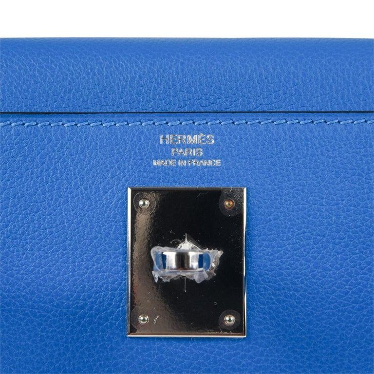 Hermes Kelly Retourne 28 Bag Vivid Blue Hydra Mediterranean Blue Evercolor  In New Condition For Sale In Miami, FL