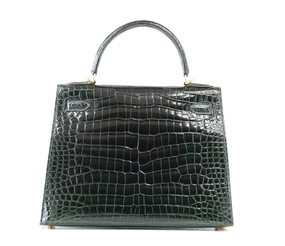 8f0fae6b55b6 HERMES KELLY 28 Bag Exotic Vert Fonce Porosus Crocodile Gold Hardware at  1stdibs