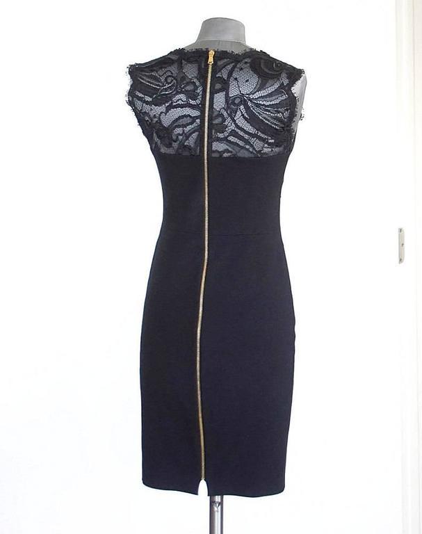 Emilio Pucci Lace Neckline Rear Zipper Dress  In Excellent Condition For Sale In Miami, FL