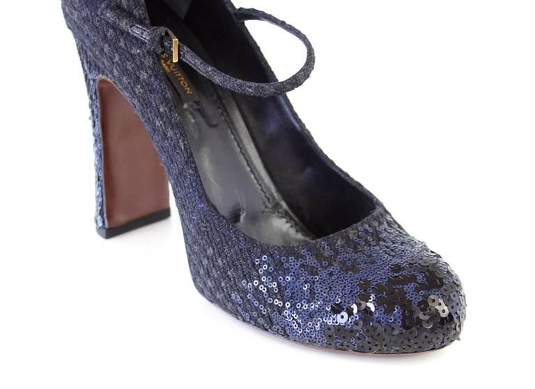 Women's Louis Vuitton Shoe Mary Jane Tweed Sequined Detail 39  / 9 For Sale