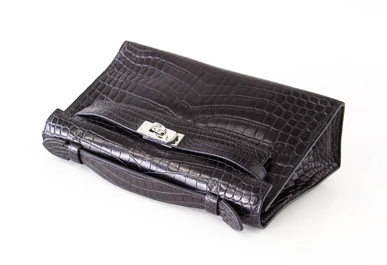 4179393230e2 Hermes Kelly Pochette Clutch Bag Matte Black Crocodile Palladium In  Excellent Condition For Sale In Miami