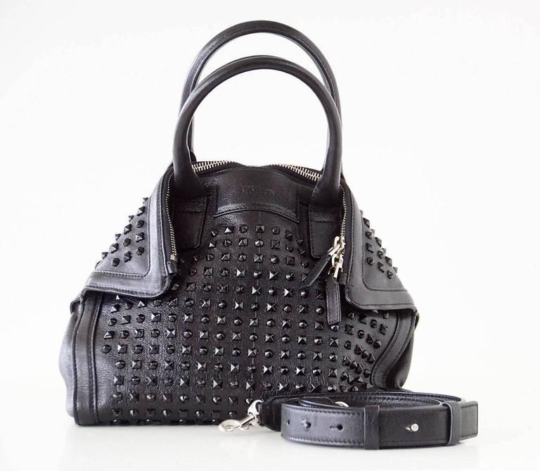 Alexander McQueen Bag Black on Black De Manta Tote Shoulder Strap In Excellent Condition For Sale In Miami, FL