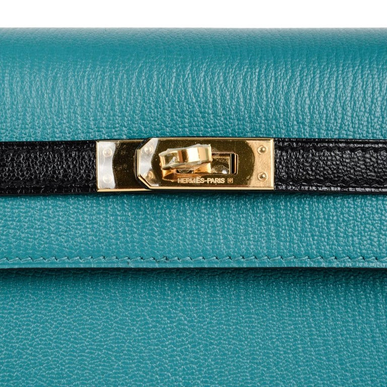 Women's Hermes Kelly 25 Sellier Bag HSS Blue Paon / Black Chevre Mysore Gold For Sale