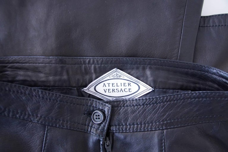 Gianni Versace Atelier Dramatic Vintage Black Leather Pant 40 / 6 For Sale 1