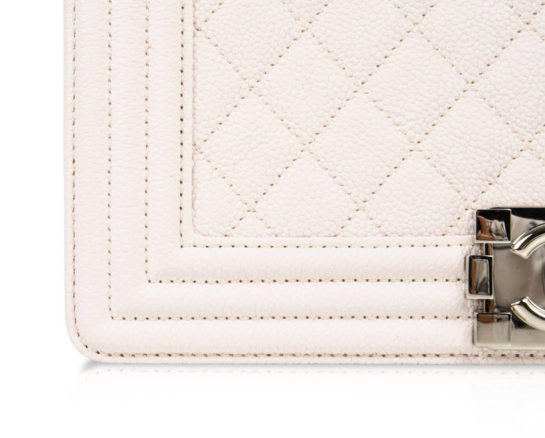 Women's or Men's Chanel Bag White / Nude Quilted Caviar Medium