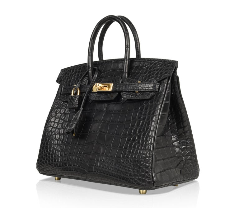 89a4d42daa Hermes Birkin 25 Bag Matte Black Alligator Gold Hardware For Sale at ...