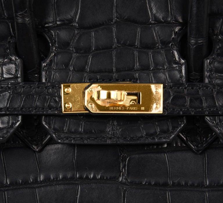 Women's Hermes Birkin 25 Bag Matte Black Alligator Gold Hardware