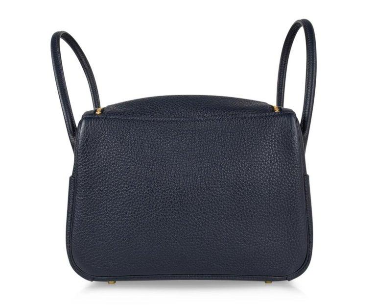 Hermes Lindy 26 Bag Blue Nuit Clemence Gold Hardware For Sale 2