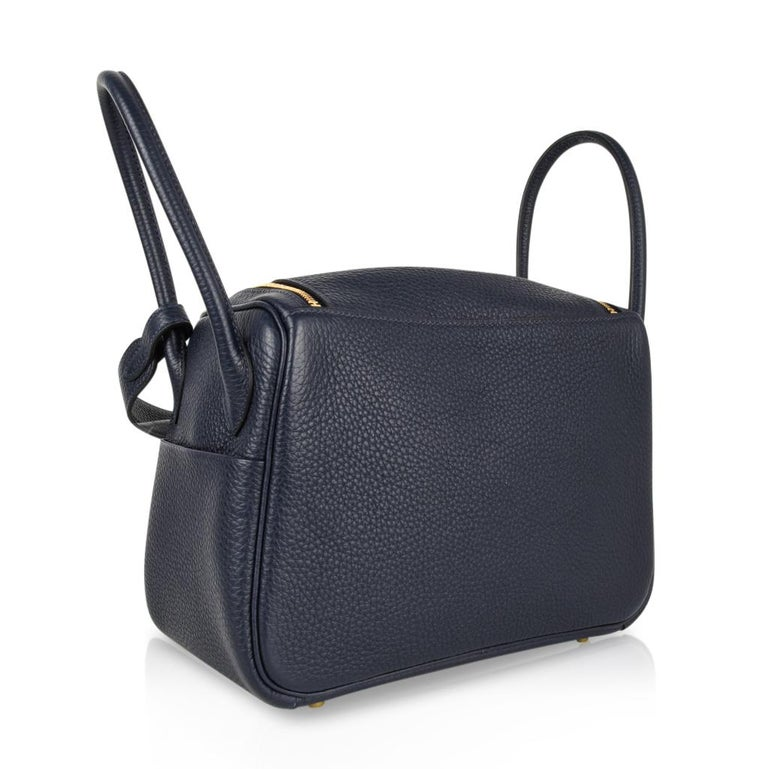 Hermes Lindy 26 Bag Blue Nuit Clemence Gold Hardware For Sale 3