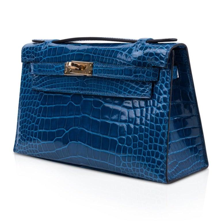 Women's Hermes Kelly Pochette Mykonos Alligator Gold Hardware For Sale