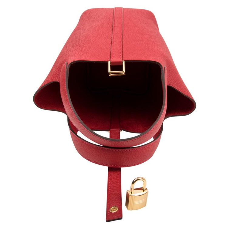 Hermes Picotin Lock 18 Rouge Casaque Clemence Gold Hardware In New Condition For Sale In Miami, FL