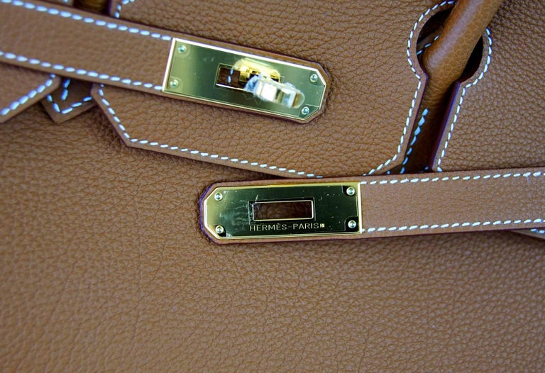 Hermes Birkin 35 Bag Coveted Gold Togo Gold Hardware Iconic Classic In New never worn Condition For Sale In Miami, FL