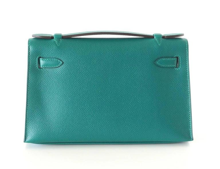 Hermes Kelly Pochette Clutch Bag Emerald Toned Malachite Epsom Gold  In New Never_worn Condition For Sale In Miami, FL