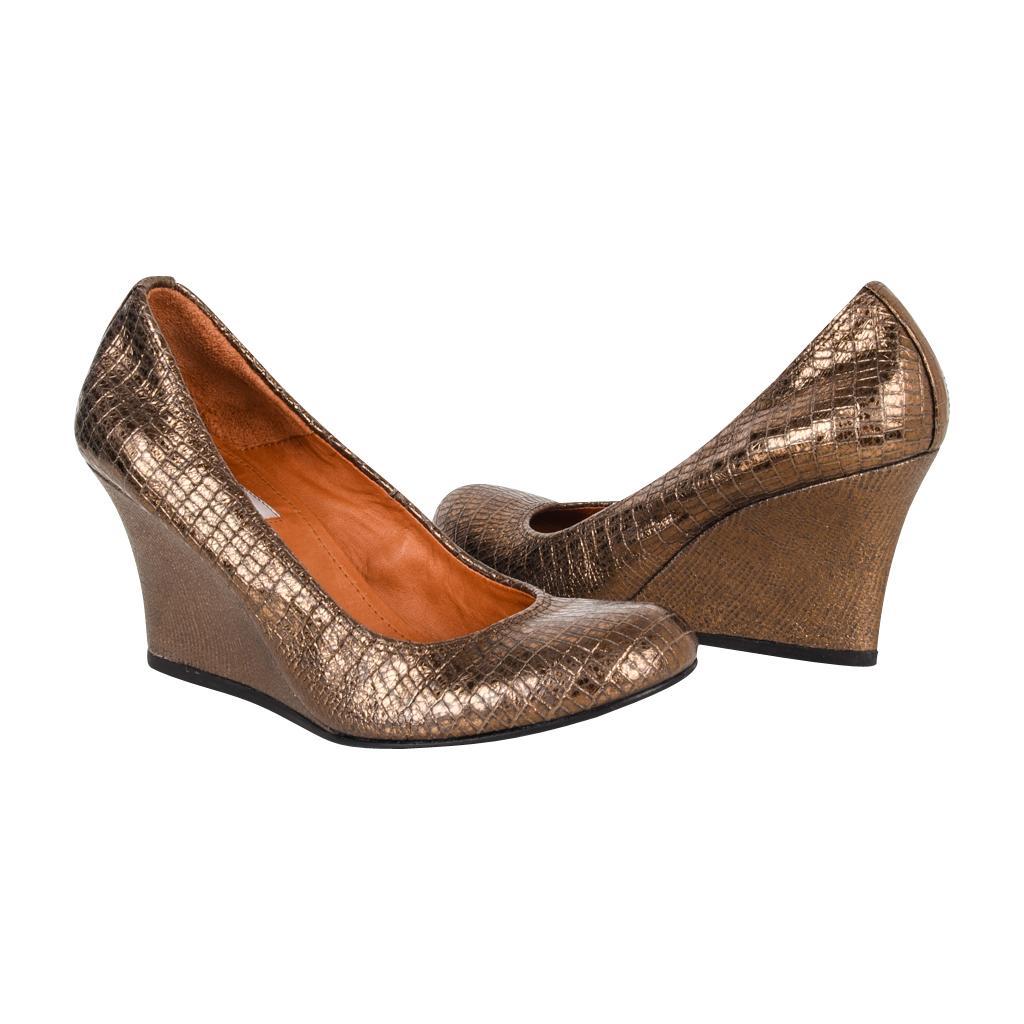 bdc34e291f8 mightychic Shoes - 1stdibs
