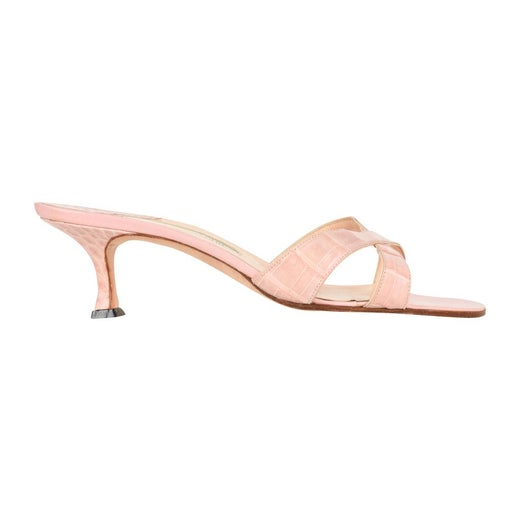 4d0fbd2dabf49 Manolo Blahnik Shoe Pink Crocodile Signature Mule 37 / 7 For Sale at 1stdibs