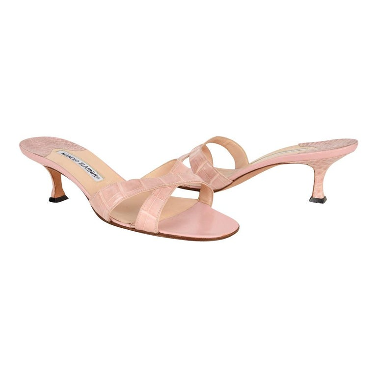 ec8d23739b9 Manolo Blahnik Shoe Pink Crocodile Signature Mule 37   7 For Sale at 1stdibs