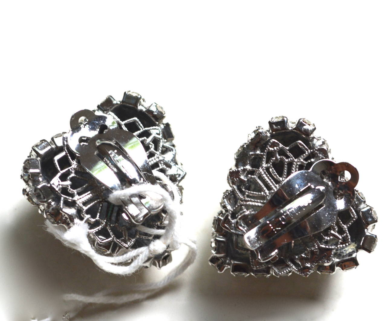 William De Lillo Rhinestone Heart Earrings In Excellent Condition For Sale In Litchfield County, CT