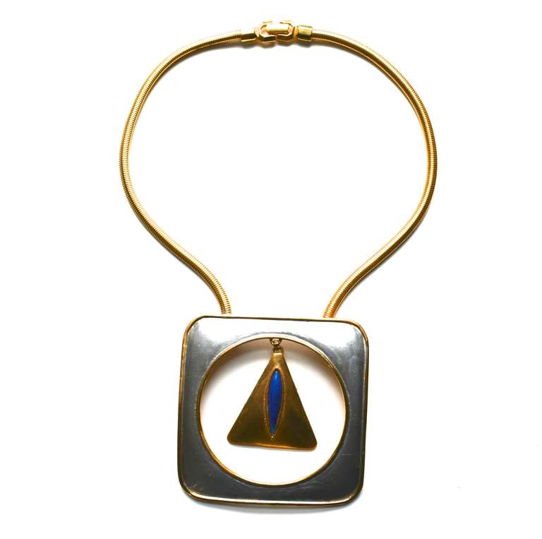 Pierre Cardin Mod Triangle Necklace In Good Condition For Sale In Litchfield County, CT