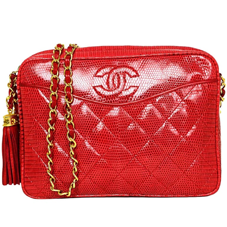 f652dab2ece7 CHANEL Vintage 1987 Red Lizard Quilted Camera Bag w/ Tassel GHW For Sale