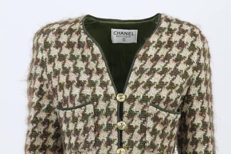 1990s Chanel Pied de Poule Overcoat For Sale 3