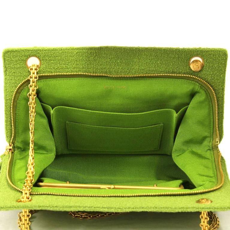 1990's Chanel Acid Green Wool Bouclé Shoulderbag 7
