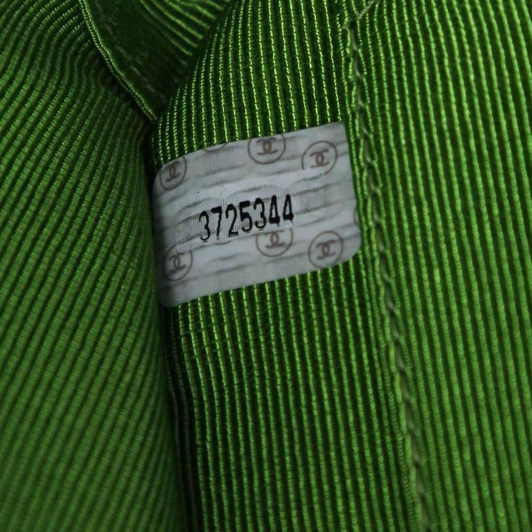 1990's Chanel Acid Green Wool Bouclé Shoulderbag 8
