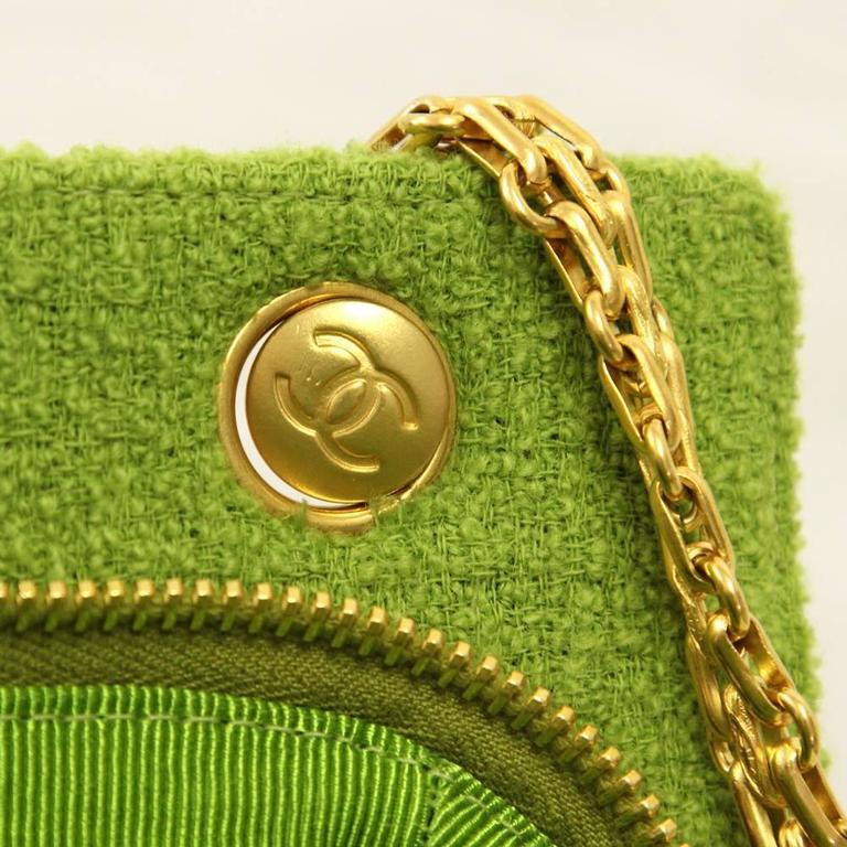 1990's Chanel Acid Green Wool Bouclé Shoulderbag 10