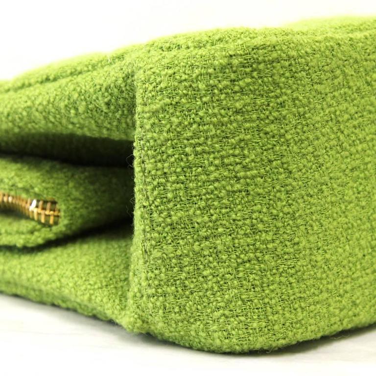 1990's Chanel Acid Green Wool Bouclé Shoulderbag 9